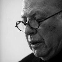 Kertész Imre egész életét áthatotta az abszurd irónia