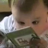 Jobban fejlődik azoknak a gyerekeknek az agya, akiknek felolvasnak a szüleik