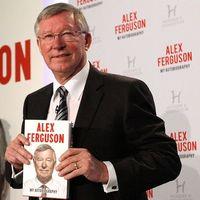 Tele van hibával Sir Ferguson könyve