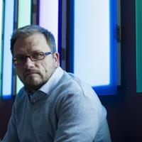 Kolozsi László: Sötét szoba, avagy: miért írok krimit