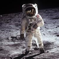 5 könyv, amelyben az emberiség már meghódította a Holdat [Holdra szállás 50]