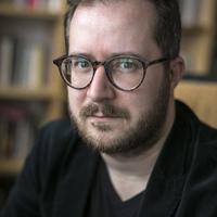 Podcast: Hallgass bele Krusovszky Dénes új regényébe!