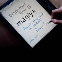 Tökéletes karácsonyi ajándék: Dragomán online dedikálja könyvét!