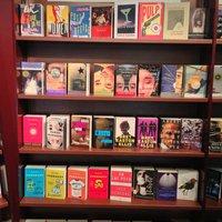 Murakamit lopnak legszívesebben a kanadai könyvtolvajok