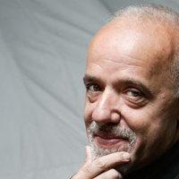 Irán cáfolja Coelho műveinek betiltását