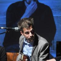 Grecsó Krisztián rendes író, nem kopaszodik