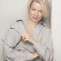 Linn Ullmann: Az emlékezet olyan, mint egy nagyszerű író, történeteket kreál