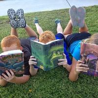 Jobban olvasnak azok a gyerekek, akiknek vannak saját könyveik