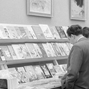 A nagy könyvlopás - A látogatók két hét alatt széthordták a kiállítást