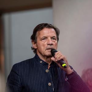 Petr Sís: Mindig úgy képzeltem, hogy a berlini fal túloldalán fantasztikus világ lehet