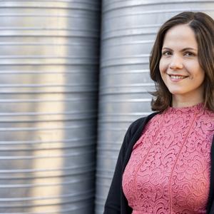 Mécs Anna: A novelláimmal én is kipattintottam egy gyerekzárat