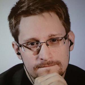 Snowden: Az amerikai kormány nem akarja, hogy az emberek elolvassák ezt a könyvet