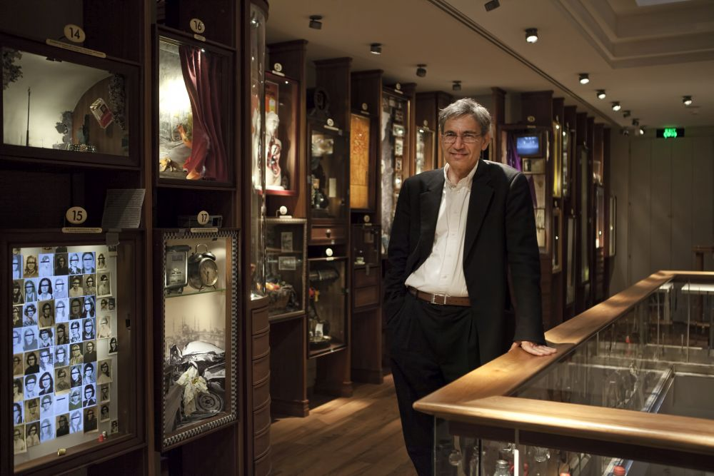pamuk_in_the_museum_of_innocence.jpg