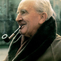 Tolkien, világot teremtett