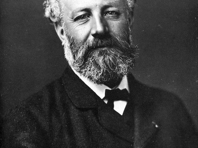 LIKE A GÉNIUSZ! Avagy: Kultúra 1 percben! Február 8.: E napon született a tudományos-fantasztikus irodalom legnagyobb alakja Jules Verne