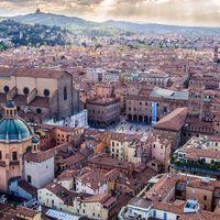 Bologna, a vörös, tanult és pocakos város