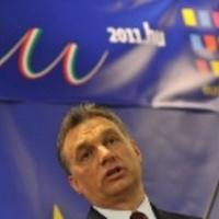 Hogyan erősít rá a Fidesz a külföldi hisztire?