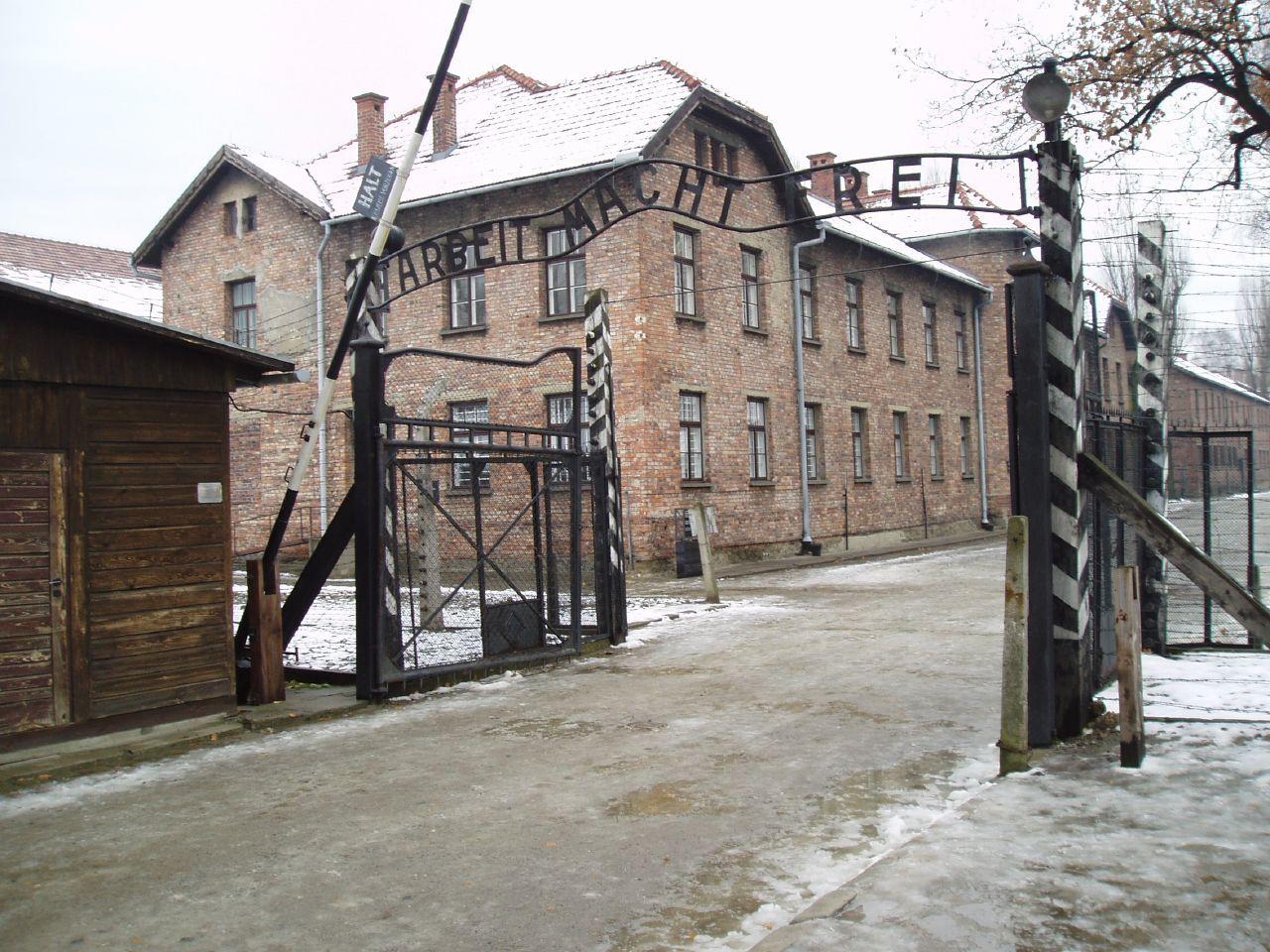 Az Auschwitz-Birkenau-i tábor bejárata
