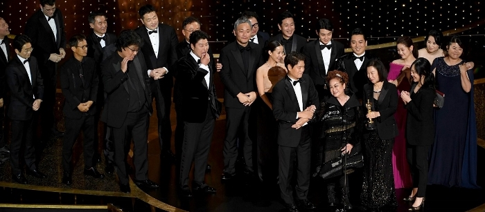 1_meet-parasite-producer-miky-lee-oscars-2020-05_2_700x307.jpg