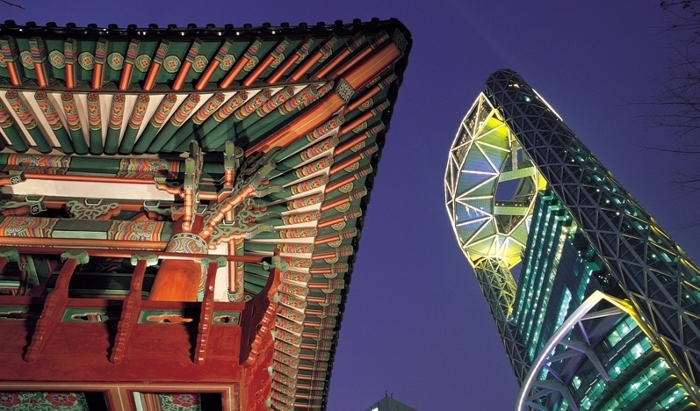 2_korea_has_gone_thruogh_huge_economic_and_financial_boom_700x411.jpg