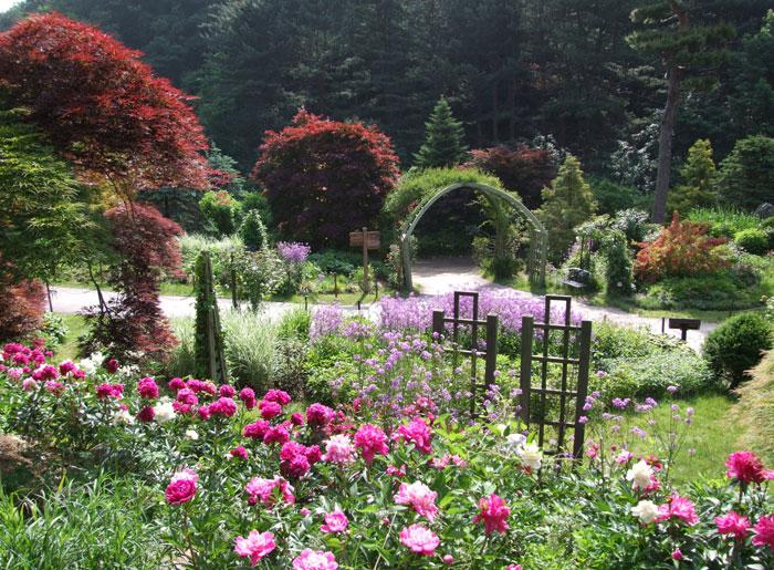 3_eden_garden_l2.jpg