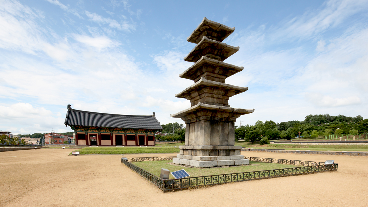 3_kep_epiteszet_jeongnimsaji_temple_seulkorea-tour.jpg