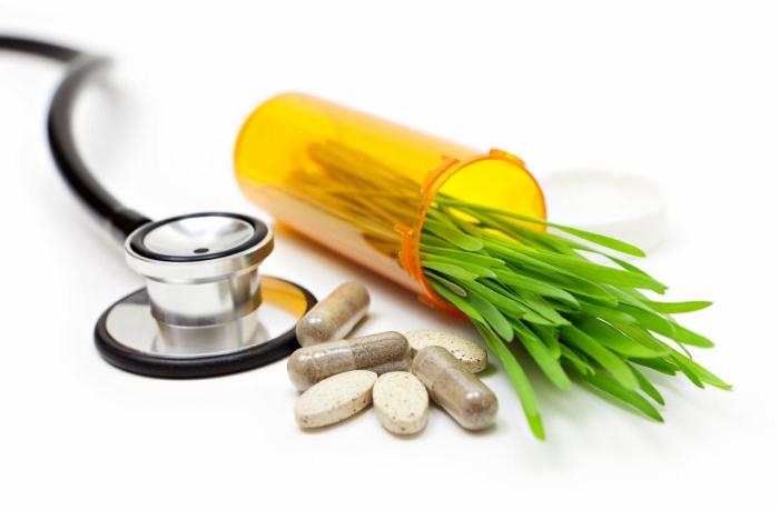 3_pharmaceuticals_vs_natural_rem_700x459.jpg
