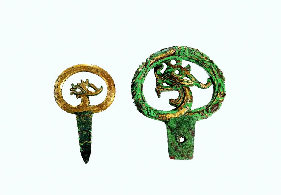 Sárkányfejjel díszített ékszerek (The Korean Christian Museum at Soongsil University gyűjteménye)