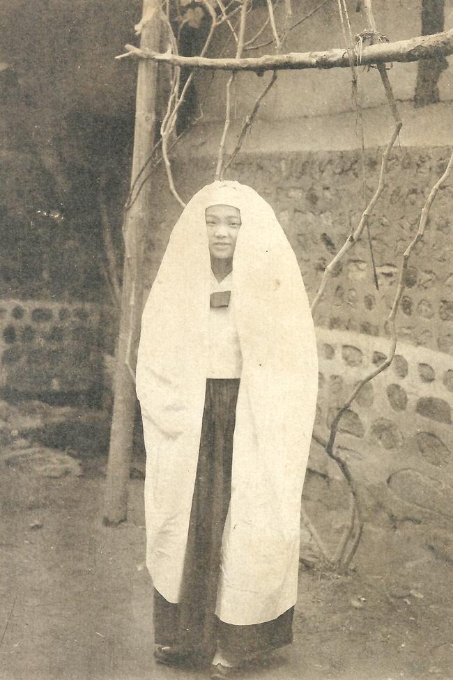 5_fiatal_lany_fotoja_1900-1910.jpg