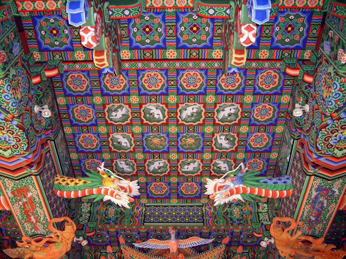 6_ceiling-painting-main-buddha-hall-temple.JPG