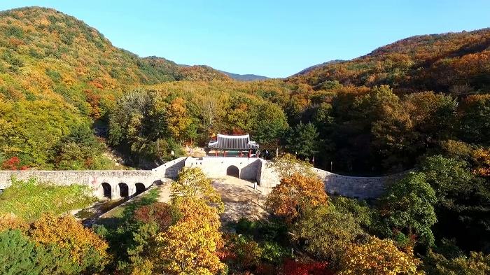 6_geumjeong-mountain-fortress-footage-085448976_prevstill_700x393.jpg