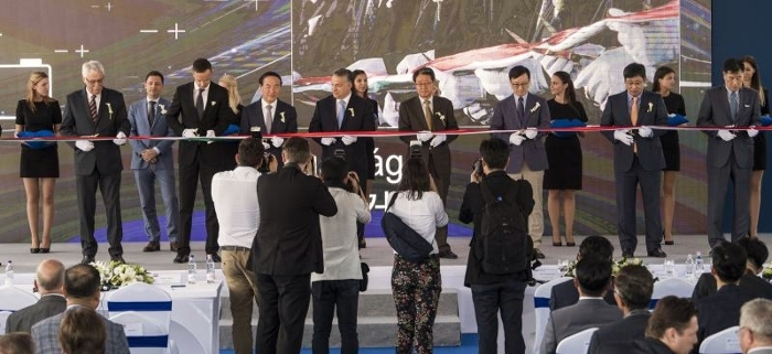 7_samsung_sdi_celebrated_the_completion_of_construction_of_its_ev_electric_vehicle_battery_plant_in_god_on_may_29_2017_700x321.jpg