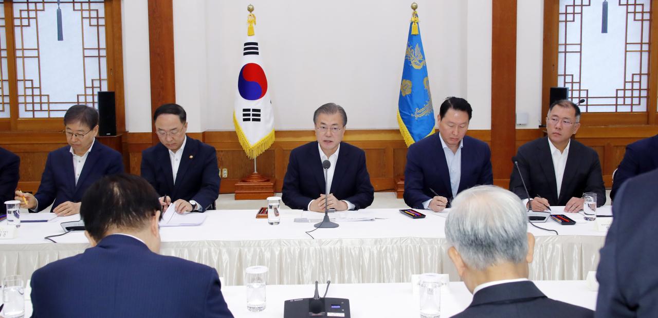annyeong_kep_3_mun_dzsein_del-koreai_elnok_talalkozoja_a_nagyobb_cegek_vezetoivel.jpg