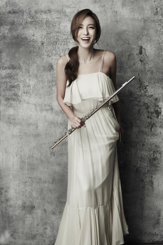 jasmine_choi_by_sangwook_lee.jpg