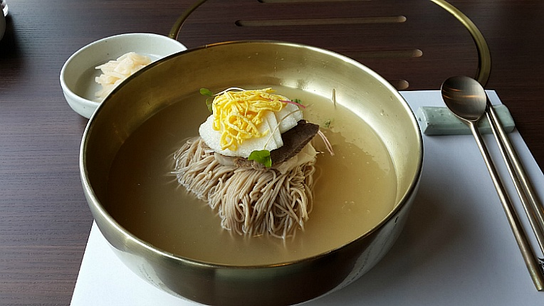 naengmyeon_cold_noodles.jpg