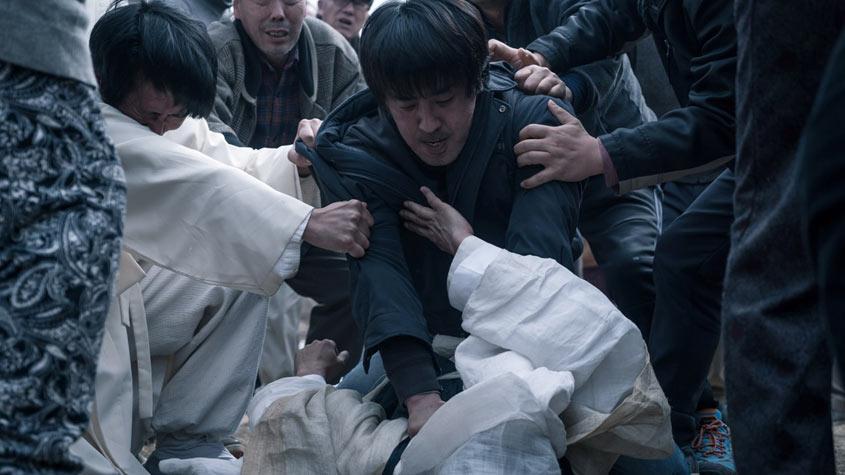 Hyun-soo (Ryu Seung-ryong) mindig a lehető legrosszabbul dönt