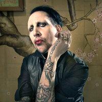 Milyen stílusra evez Jonathan Davis és Marilyn Manson?