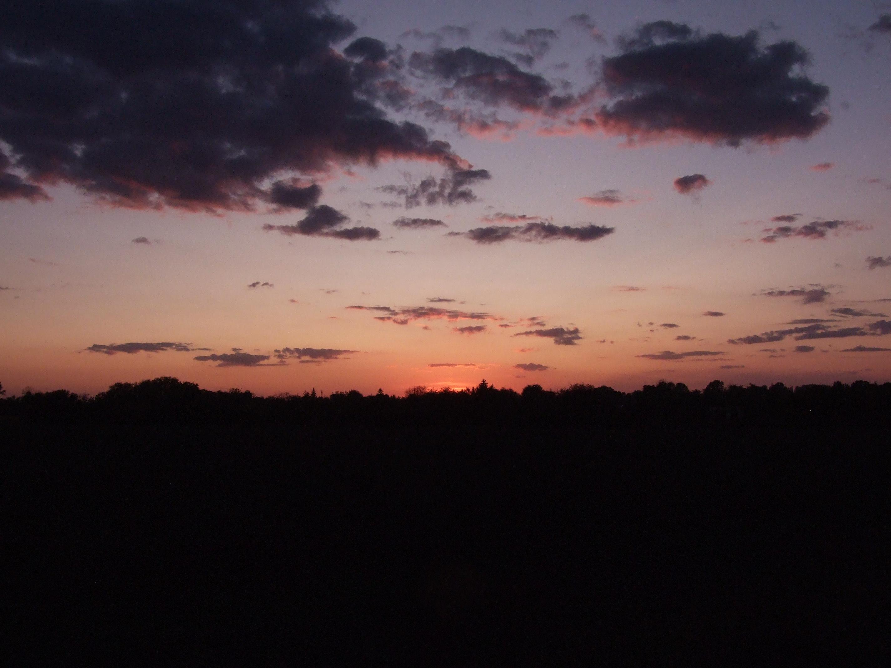 Korán indultunk. A napfelkelte a határon ért minket