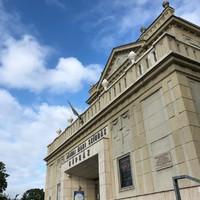 A KUTYA KÜLÖNÖS ESETE AZ ÉJSZAKÁBAN - a Jászai Mari Színház ajtót nyitott egy szélesebb spektrumra