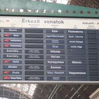 Nyomás a MÁV-on: bővülnek az utasjogok