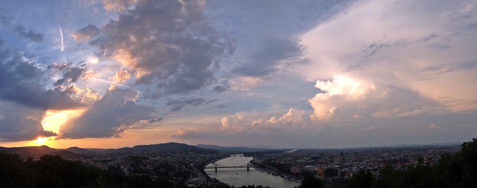 budapest-660187_960_720.jpg