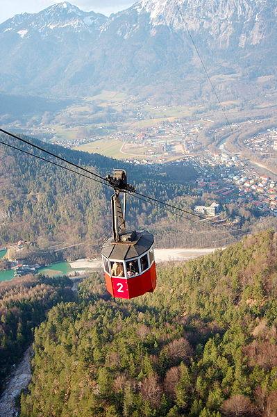399px-Predigtstuhlbahn_kabine_bergfahrt.jpg