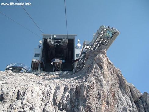 dachstein_suedwandbahn-5-liftworld.jpg