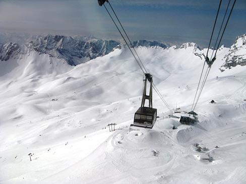 zugspitze-gletscherbahn.jpg