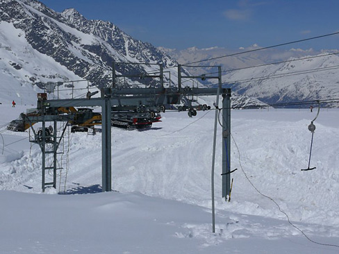 swimmende-talstation-saas-fee-1.jpg