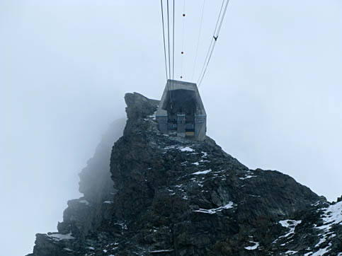 seilbahn_kleinmatterhorn-bergstation.jpg