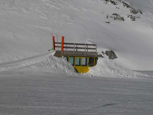 krippenstein-alte-kabine-sommerschi-com.jpg