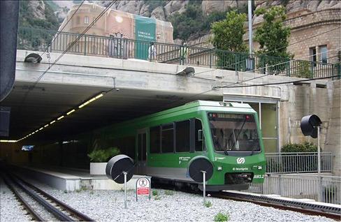 zahnradbahn-neu-montserrat-remontees.jpg