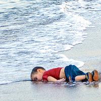 Akik belehaltak a reménybe – Fabiny Tamás prédikációja a gyermekáldozatokról