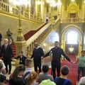 Van-e helye a Parlamentben az imádságnak és a hitnek?